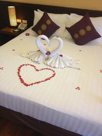 Aonang Cliff Beach Resort : Honeymoon set up