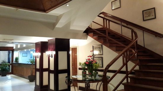 Hotel Cardoso: The charming wooden staircase