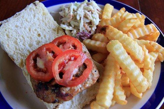 King's Bay Cafe: Tuna burger