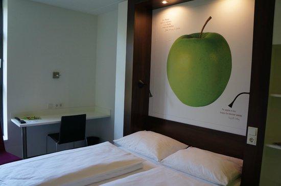 7THINGS - my basic hotel: Zimmer