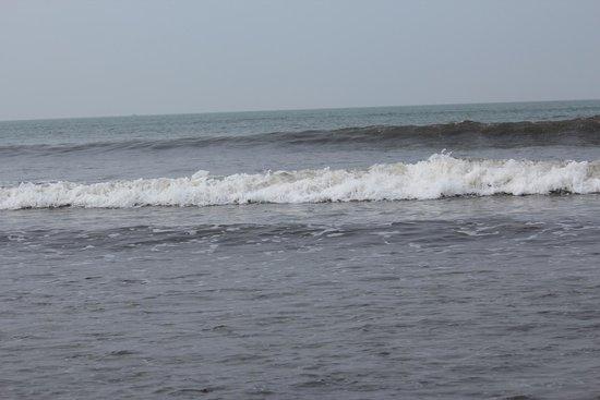 Nagaon Beach : Roaring Waves