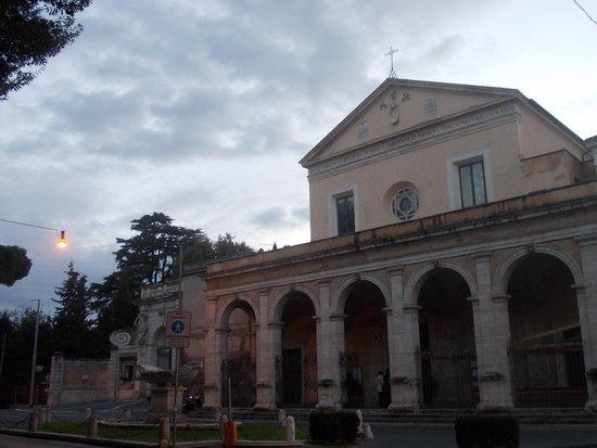 Basilica di Santa Maria in Domnica alla Navicella : sm in domnica - esterno