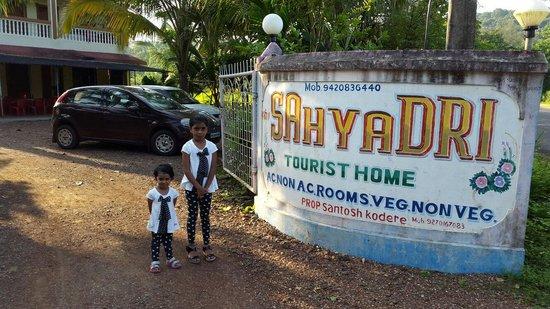 Sahyadri Tourist Home : Kashid