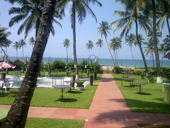 Longuinhos Beach Resort: Beach View from Hotel