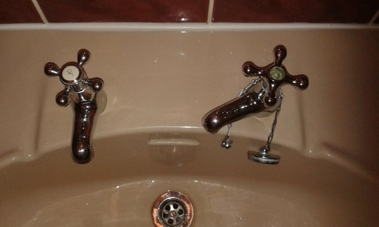 The Inn on the Lake: The wonky tap