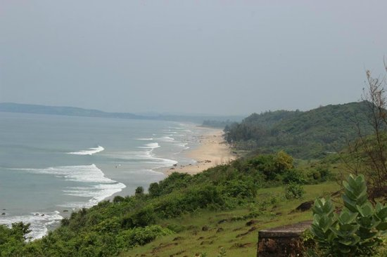 Ganapatipule Beach : beach view from nearby ghat