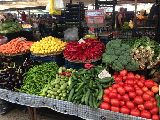 Bodrum Bazaar: Hepsi al beni diyor.