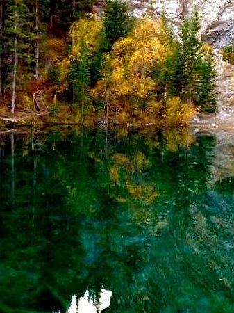 Canmore, Canada: Autumn colours at Grassi Lakes