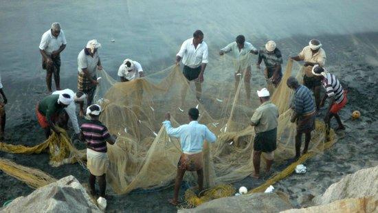 Sharanagati Yogahaus: Local fishermen