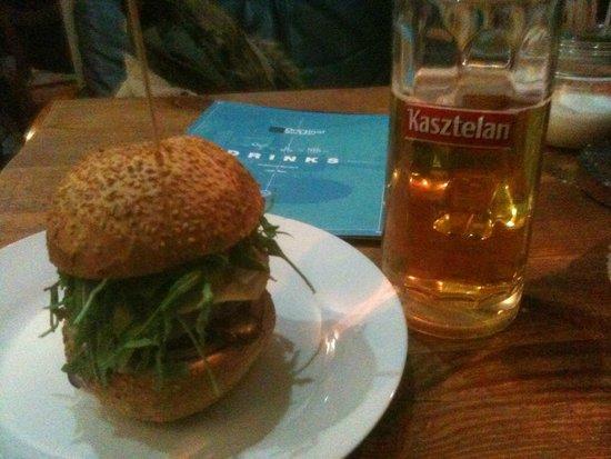 Original Burger: Cheeseburger + Beer