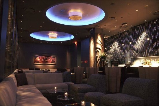 48 Lounge Angle