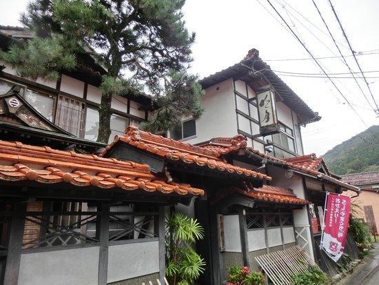 Norennoyado Meigetsu : のれん宿「明月」本町通りの北斎美術館の斜め前の路地を入ります