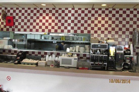 Kitchen bild fr n benny 39 s family dining ann arbor for V kitchen ann arbor address