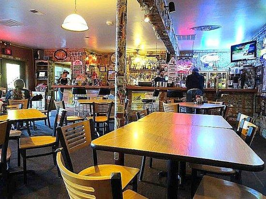 Bayfront Bar & Grill: inside bar