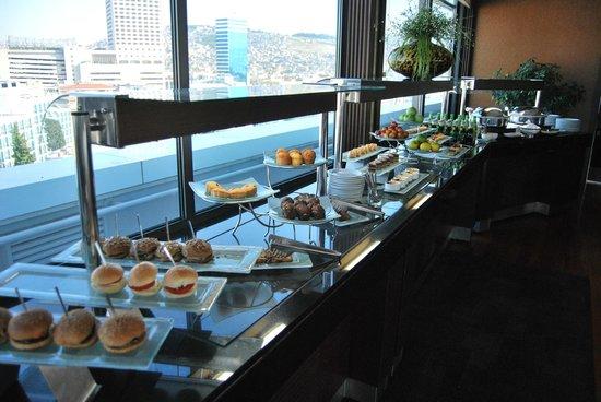 Movenpick Hotel Izmir: Executive lounge buffet afternoon