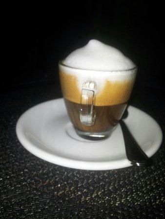 Oliva: È  il   miglore  Espresso  di  berlino