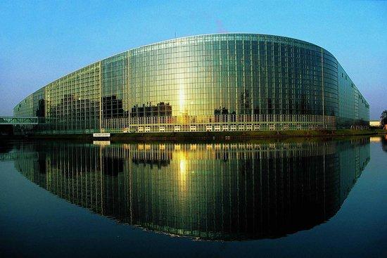 Le parlement europ en photo de ibis strasbourg centre for K architecture strasbourg