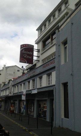 Sainte Rose : Un ingresso dell'hotel