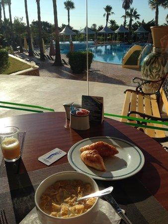 Baia Grande: Delicious sweet breakfast ��