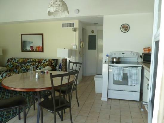West Wind Club II: kitchen dining room
