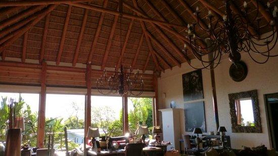 SW1 Lodge: Sitting room/big hall