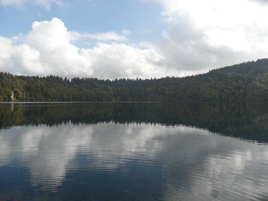 Lac Pavin : Vue du Lac