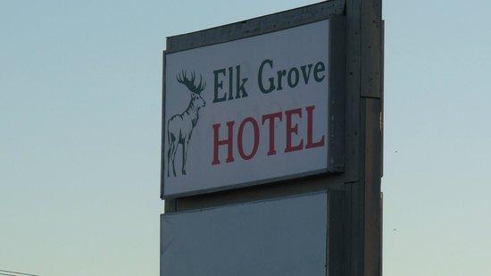Elk Grove Hotel: Outside