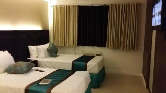 Hotel Bahia Subic : Twins room 106