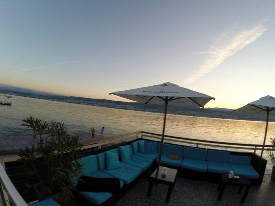 Hotel Rebe : Веранда ресторана неподалеку от отеля