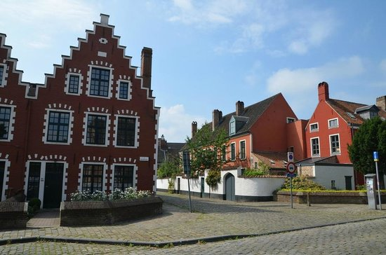 Saint-Elisabeth Beguinage: Beguinage
