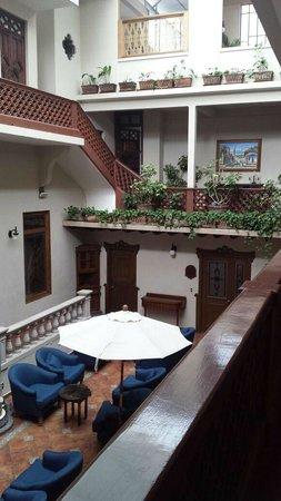 Hotel Mi Solar: Central patio