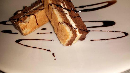 Le Lamarck: Sobremesa com trio de chocolate