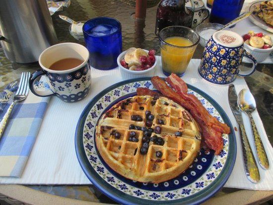 Welch Mountain Chalet Bed & Breakfast: Breakfast - Blueberry Waffles