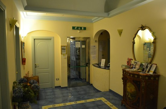 Meuble Casa Mannini B&B: Hall