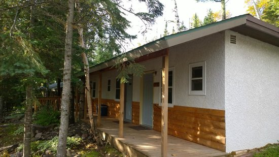 Whispering Pines Motel : Porch on the motel