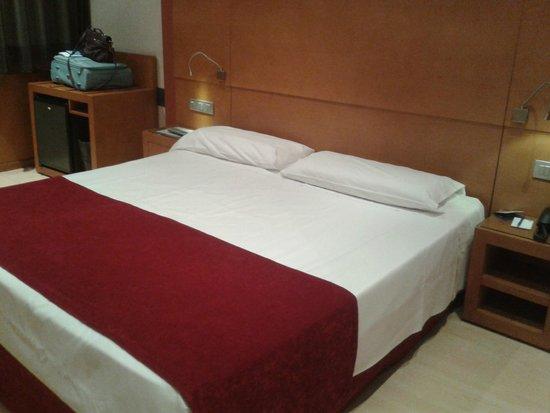 Hotel Reding Croma : Camera matrimoniale 4° piano