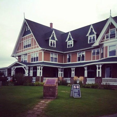 Dalvay by the Sea Hotel: Picturesque Dalvay by the Sea. Stunning grounds.