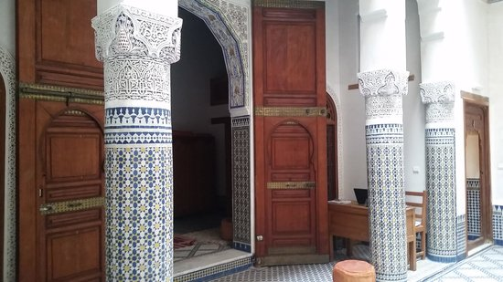 Dar Drissi: Entrance to downstairs bedroom