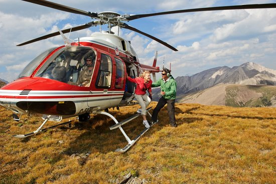 Canmore, Canada: Heli-tours with Alpine Helicopters