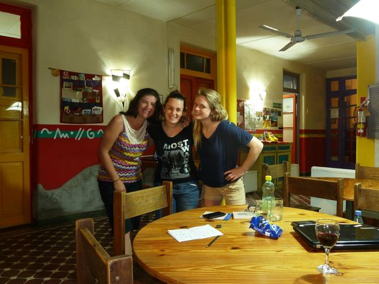 Casa Pueblo Hostel: Say cheese girls