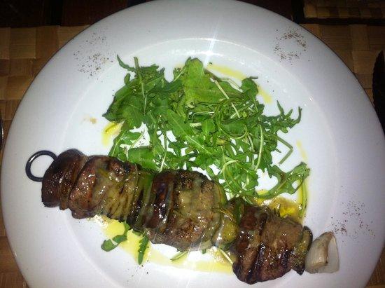 Rivoli Restaurant : Fleischspieß Rind mit Ruccolasalat
