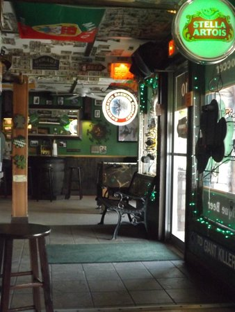 NSB Seashack : Interior stuffed with a wonderful assortment of collectibles