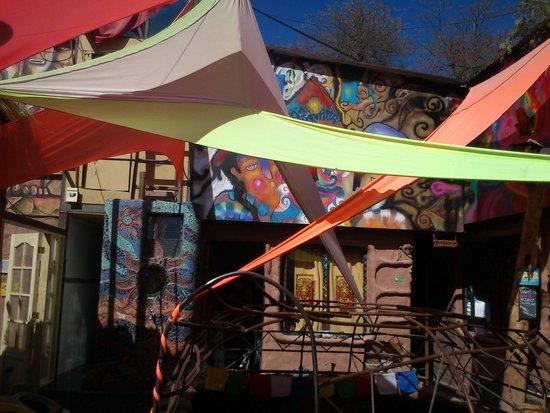 Hostal Rural : colourful sun shades