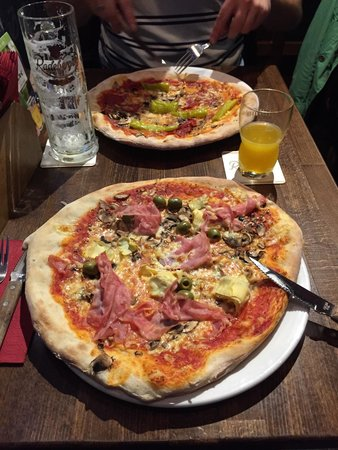 La Osteria: Pizza Capricciosa