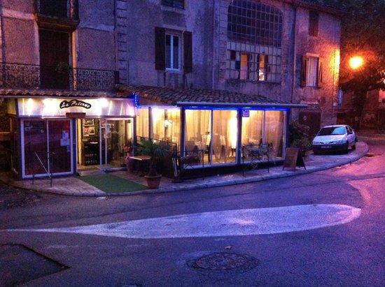 Aulas, France : La Poterne la nuit