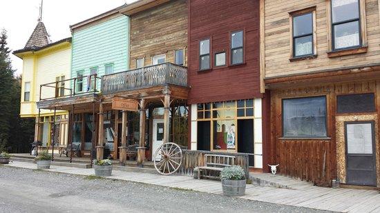 Diamond M Ranch Resort : Hotel office & rooms