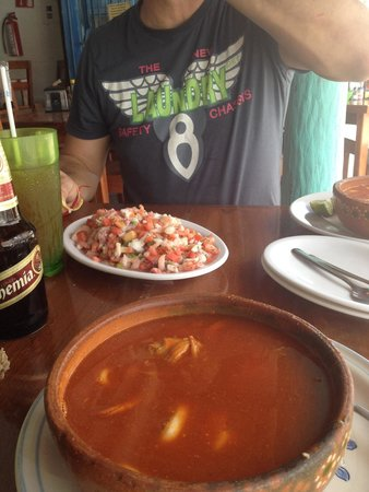 El Camello: See food soup