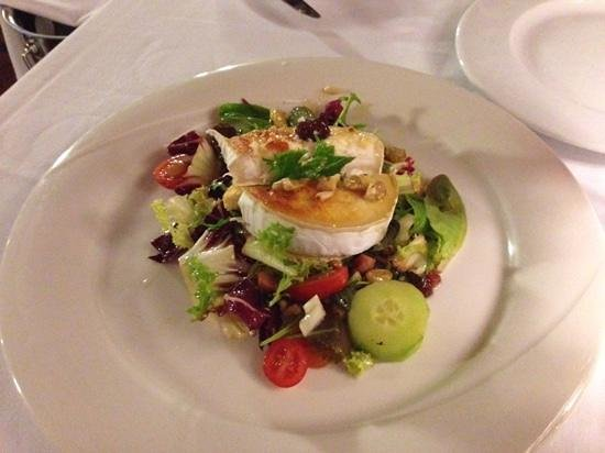 Restaurante Galena Mas Comangau: goat cheese salad