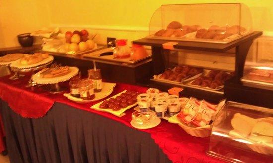 Hotel Imperial: buffet colazione