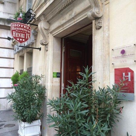 Henri IV Rive Gauche Hotel: Exterior